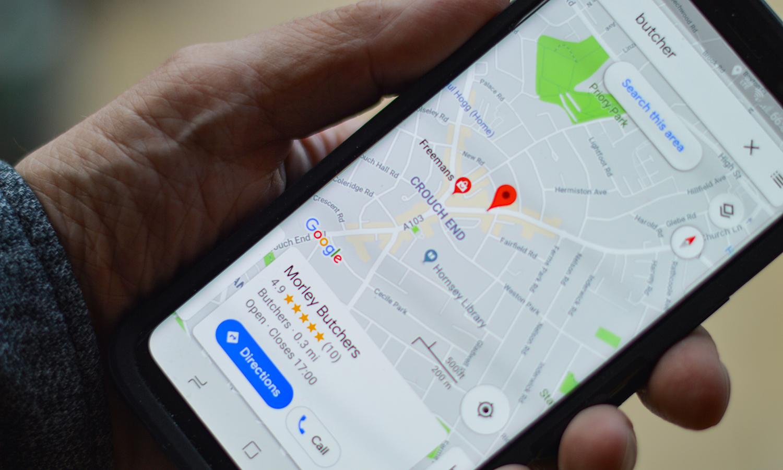 customer searching on Google Maps